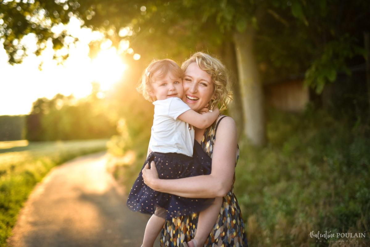 Séance photo Famille champs blé - Valentine Poulain lumière