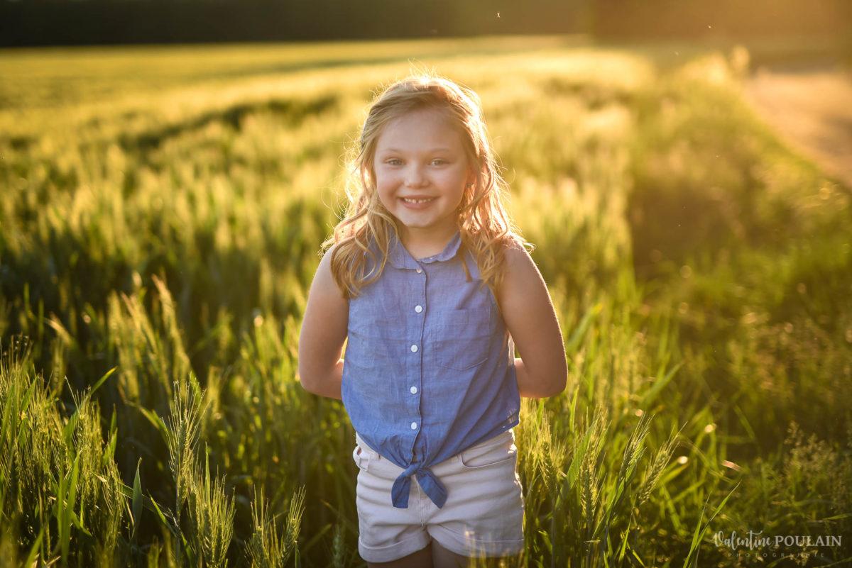 Séance photo Famille champs blé - Valentine Poulain fille