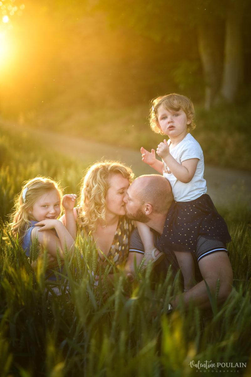 Séance photo Famille champs blé - Valentine Poulain parents