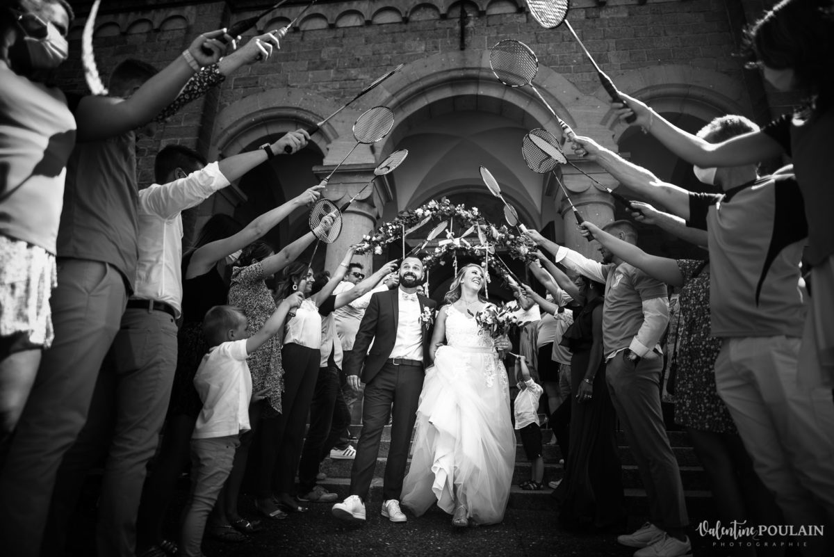 Mariage fun kermesse party - Valentine Poulain haie honneur