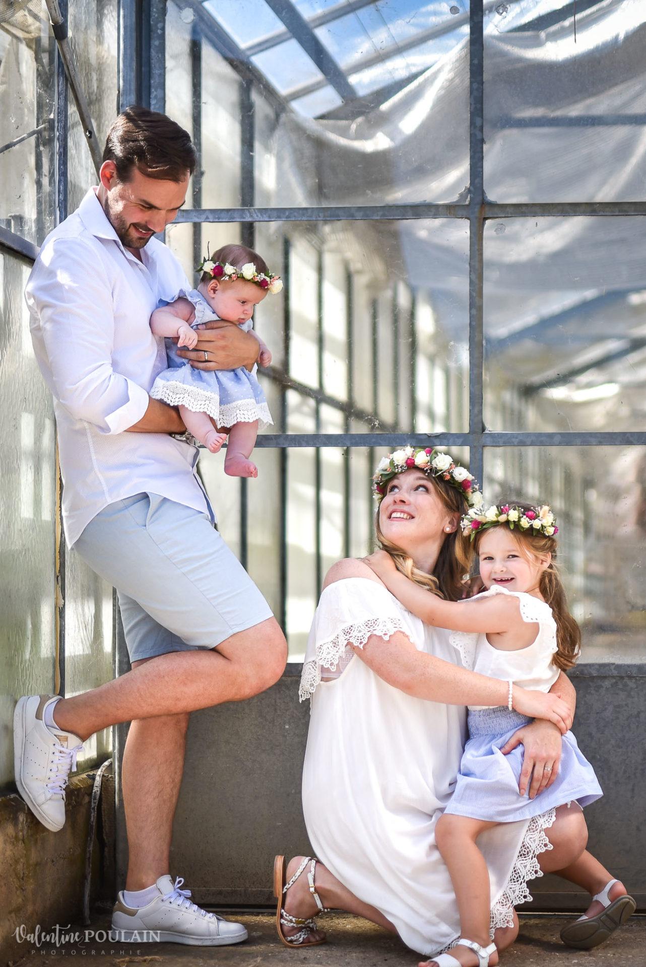 Shooting famille soeurs serre - Valentine Poulain regard