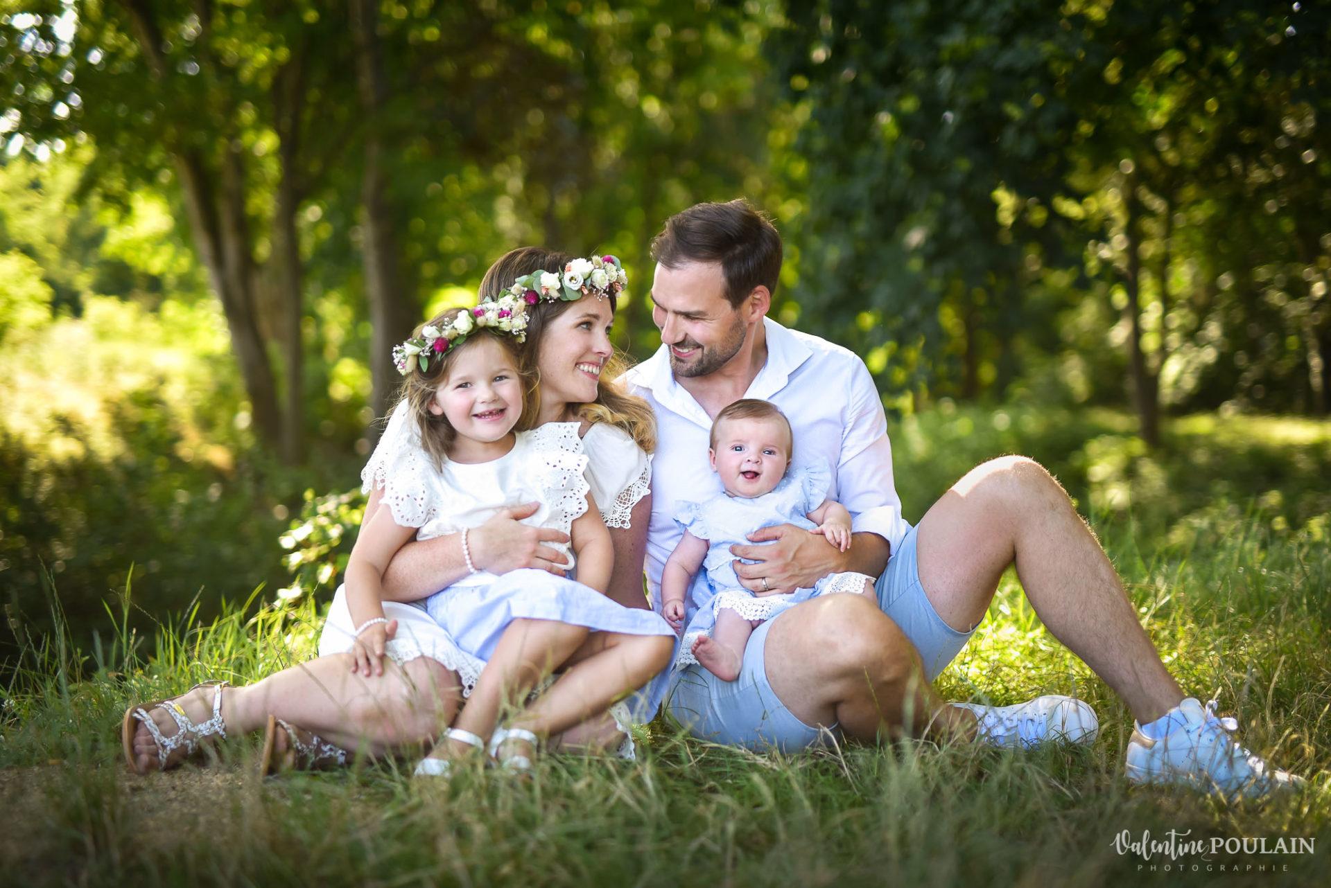 Shooting famille soeurs serre - Valentine Poulain sourires