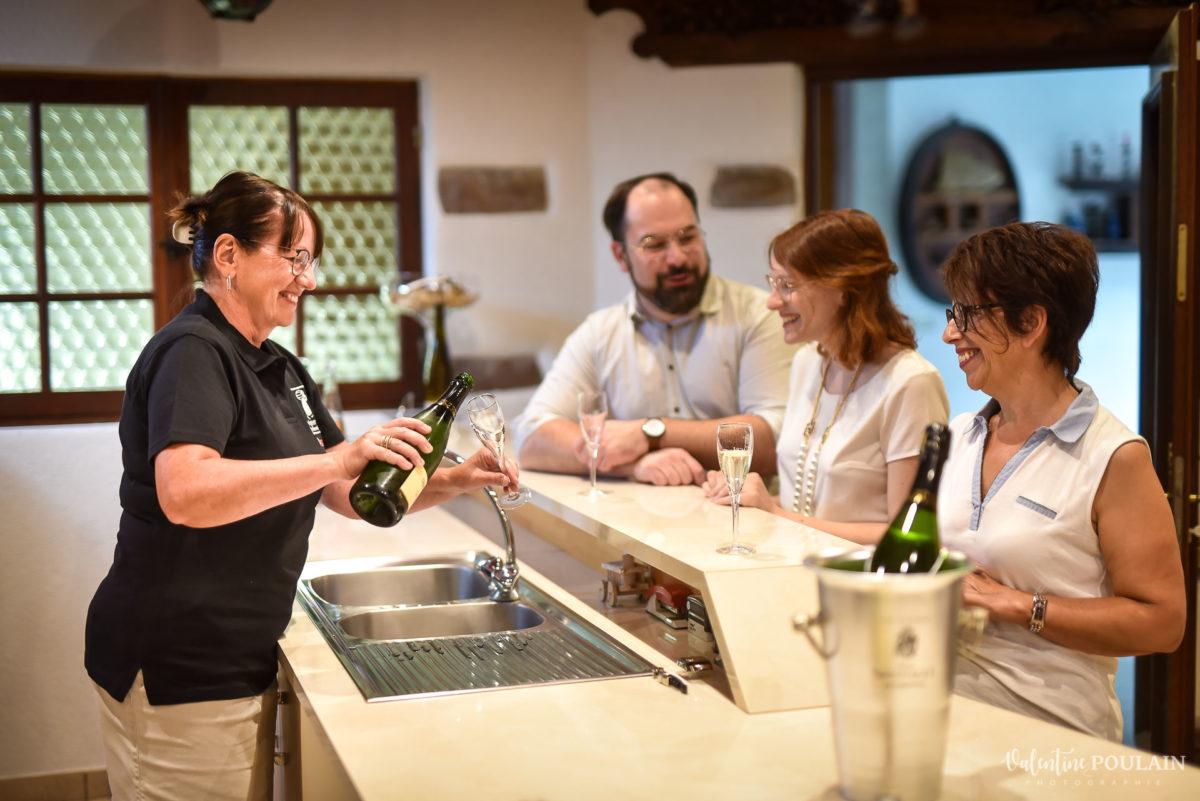 caveau déguster photo corporate Domaine vigneron - Valentine Poulain