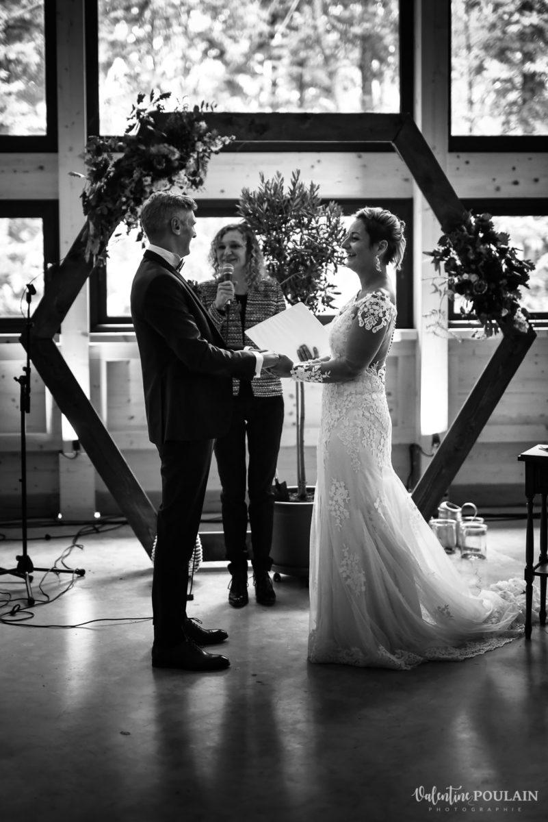 Mariage rock automne Domaine du Hirtz - Valentine Poulain cérémonie laïque OUI