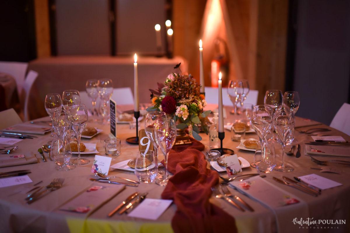 Mariage rock automne Domaine du Hirtz - Valentine Poulain soirée table