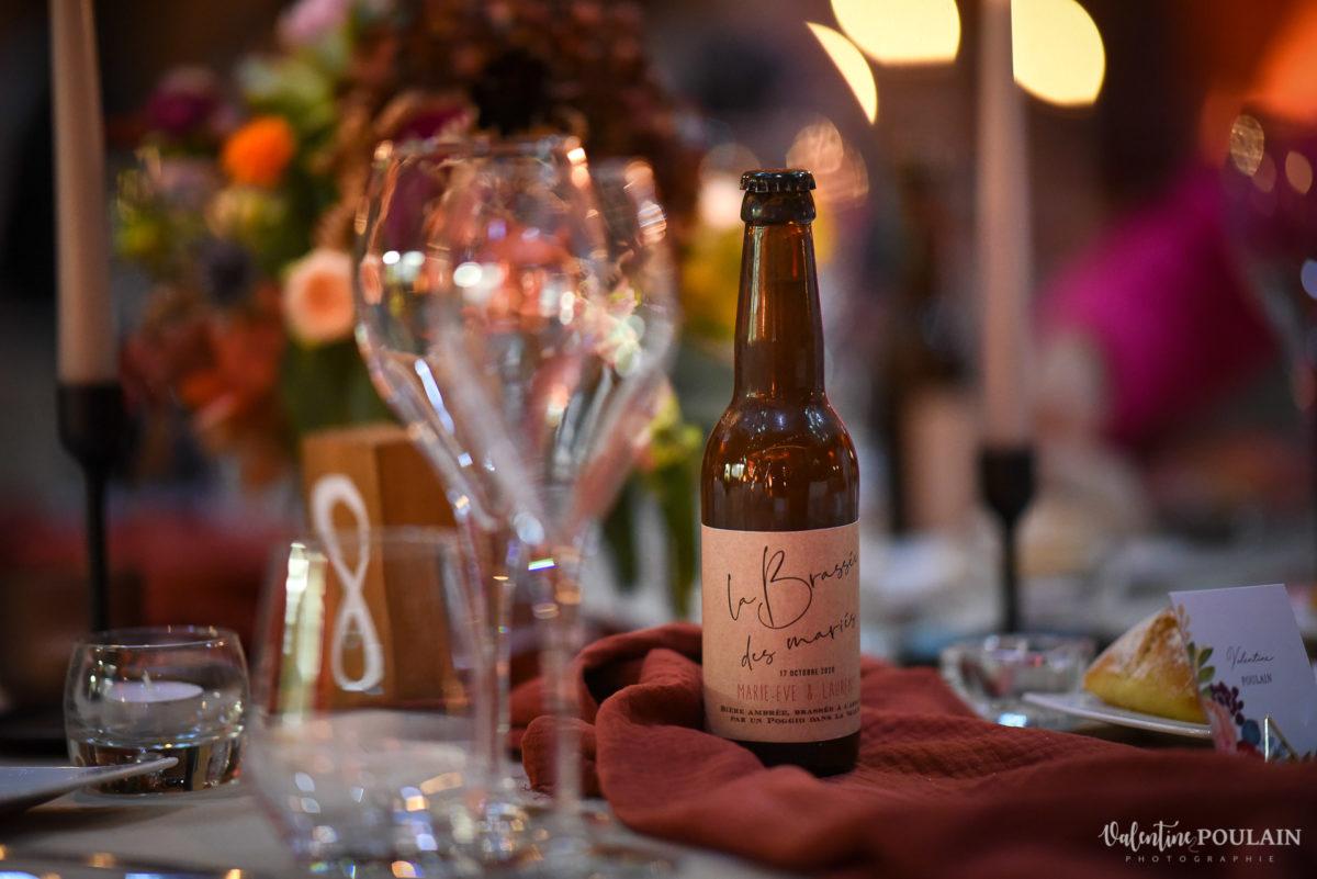 Mariage rock automne Domaine du Hirtz - Valentine Poulain soirée tables bière