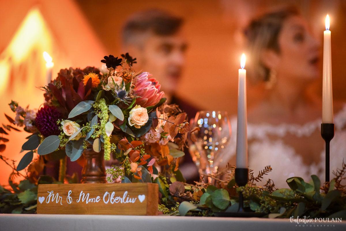 Mariage rock automne Domaine du Hirtz - Valentine Poulain soirée table mariés