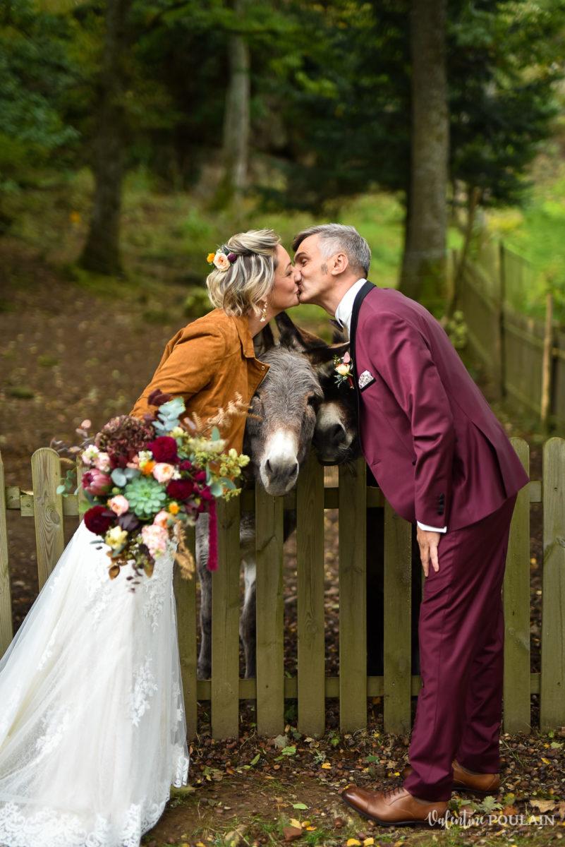 Mariage rock automne Domaine du Hirtz - Valentine Poulain âne