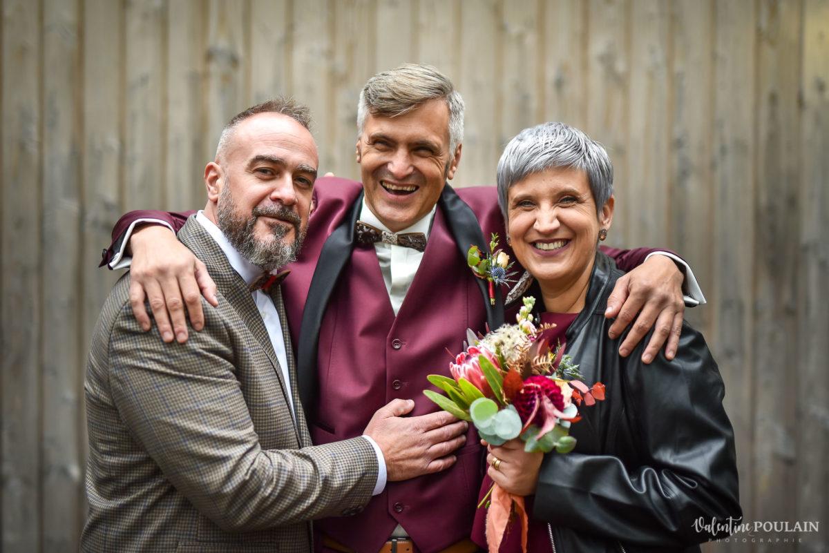 Mariage rock automne Domaine du Hirtz - Valentine Poulain témoins hommes