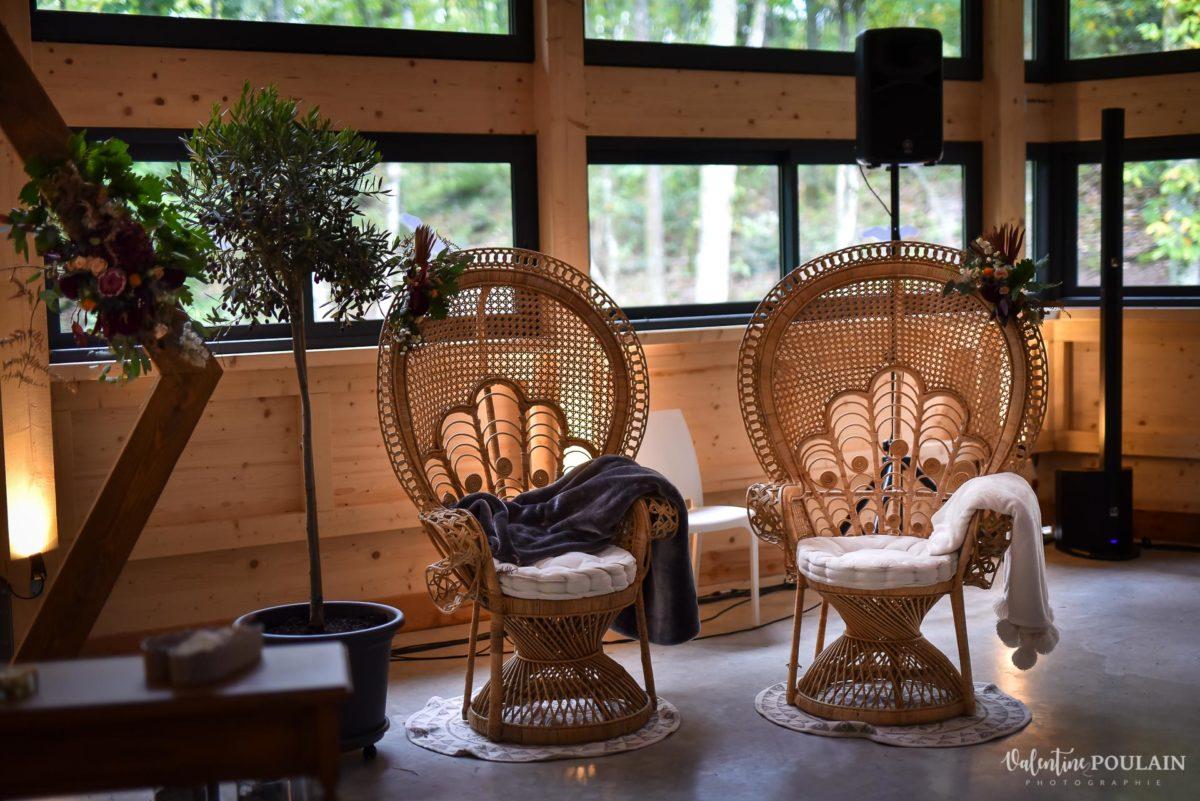 Mariage rock automne Domaine du Hirtz - Valentine Poulain chaises