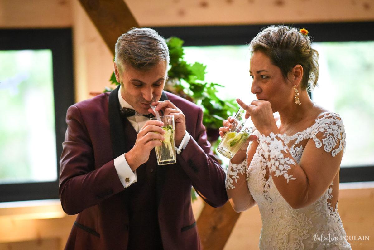 Mariage rock automne Domaine du Hirtz - Valentine Poulain cérémonie laïque-mojito cocktail