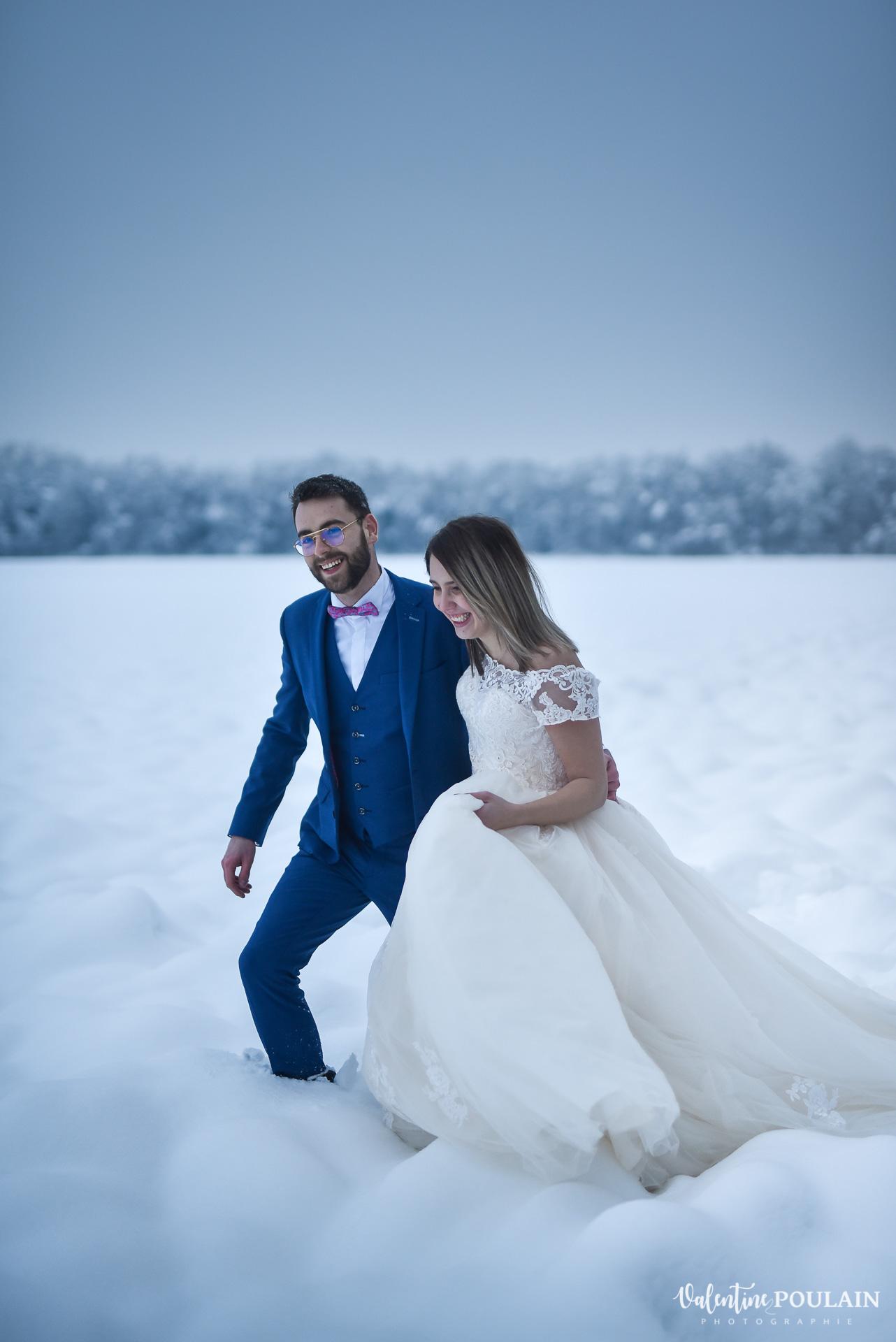 Se marier en hiver sous la neige - Valentine Poulain walking