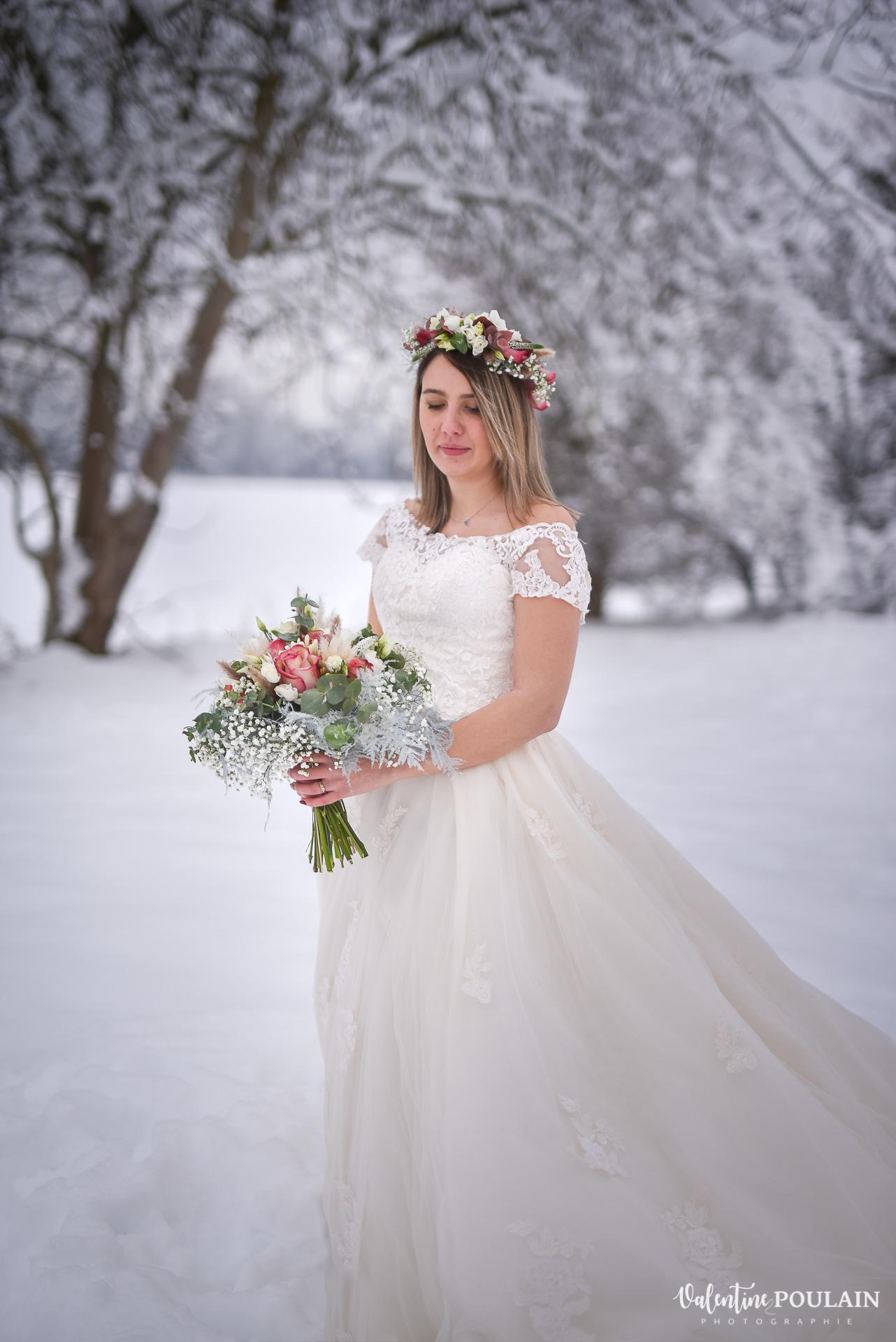 Photo mariage neige hiver - Valentine Poulain mariée