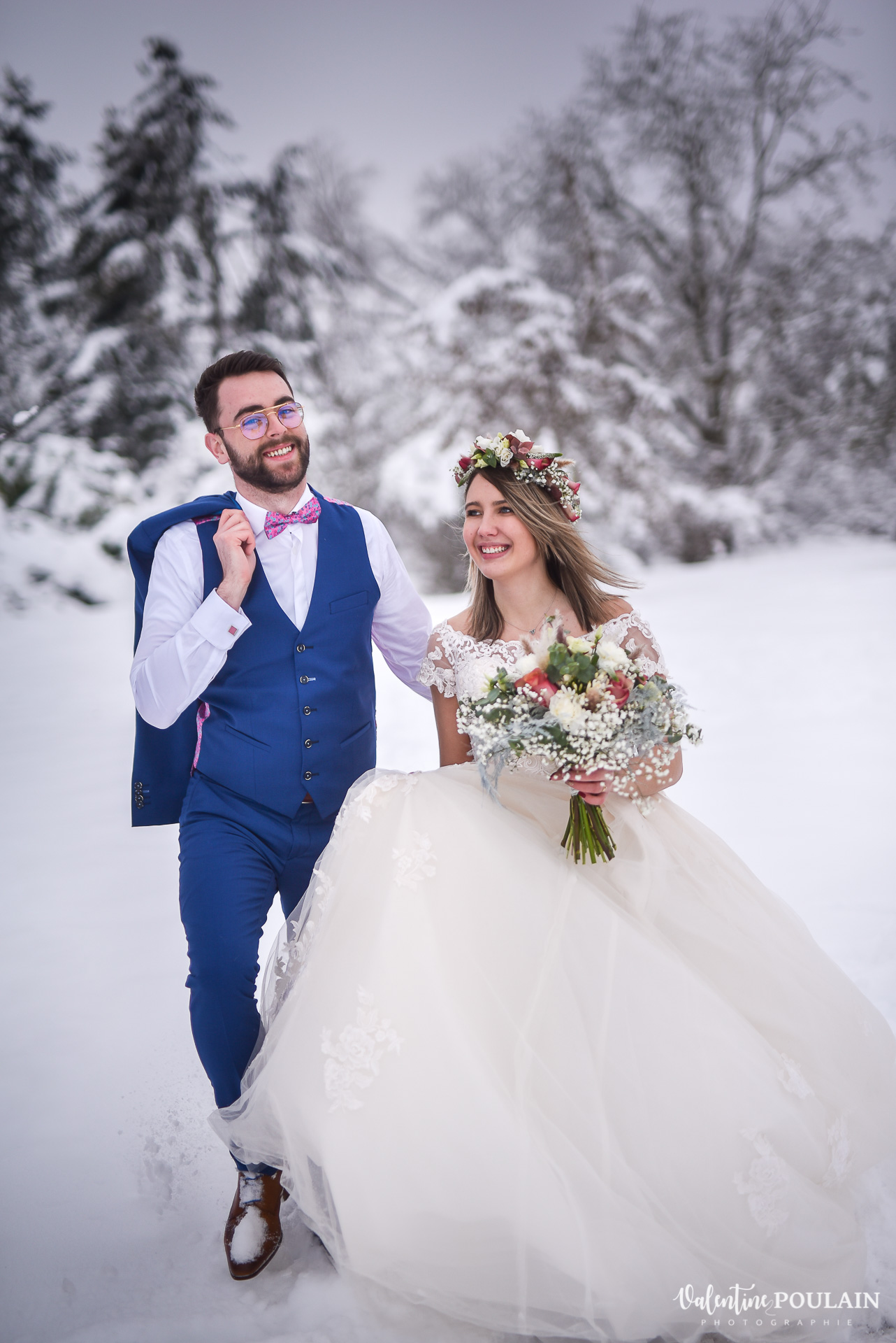 Photo mariage neige hiver - Valentine Poulain avancent