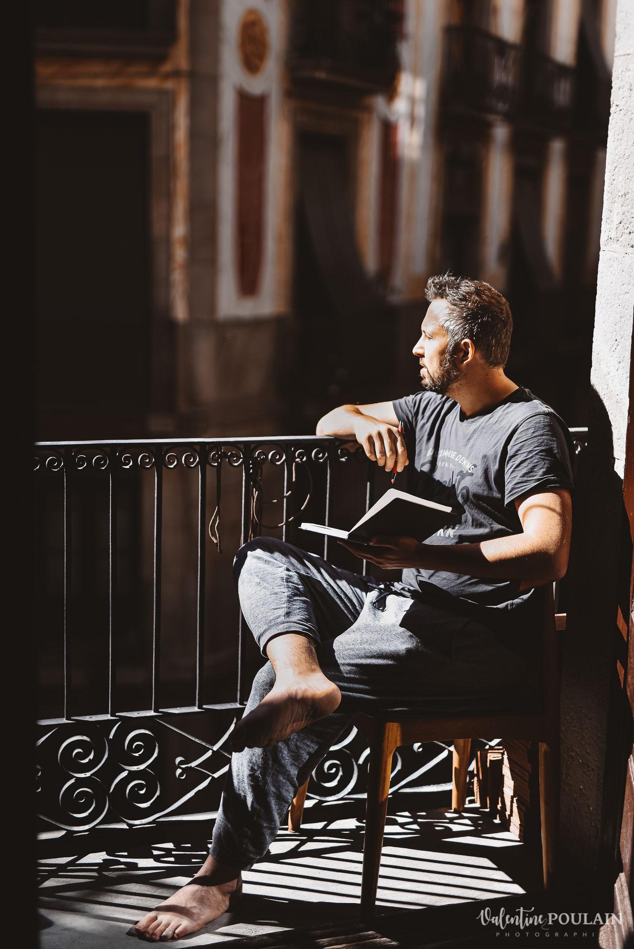 Seance photo couple Barcelone - Valentine Poulain auteur compositeur