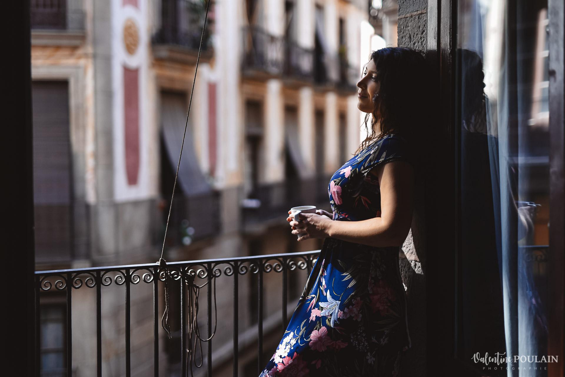Seance photo couple Barcelone - Valentine Poulain balcon