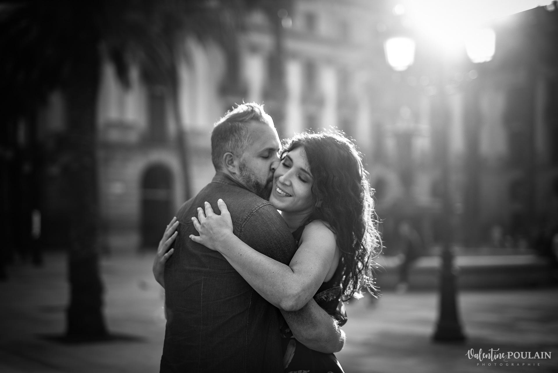 Séance photo couple Barcelone - Valentine Poulain n & b