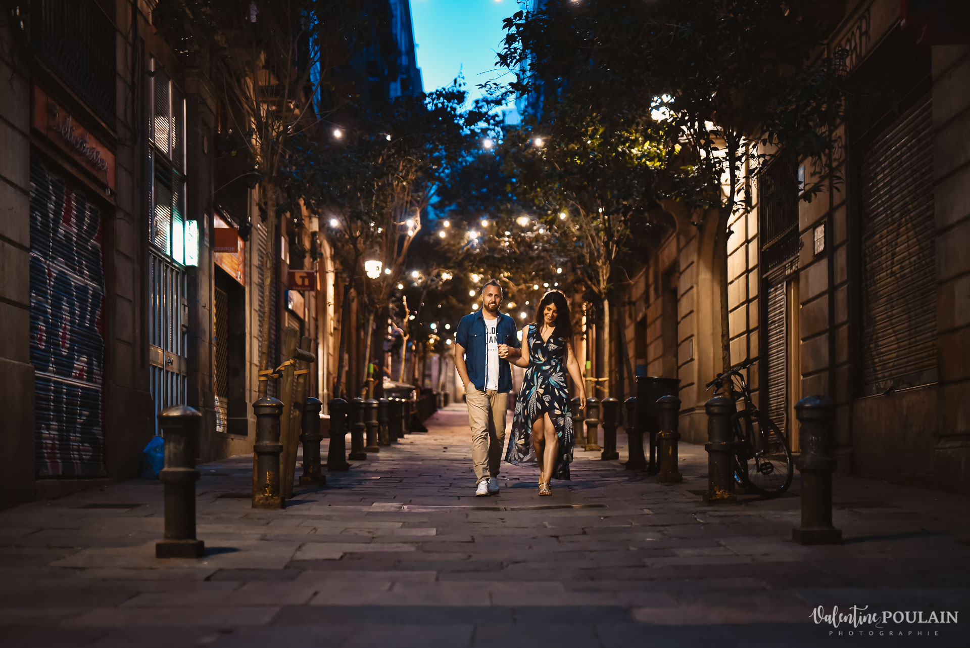 Séance photo couple Barcelone - Valentine Poulain night city