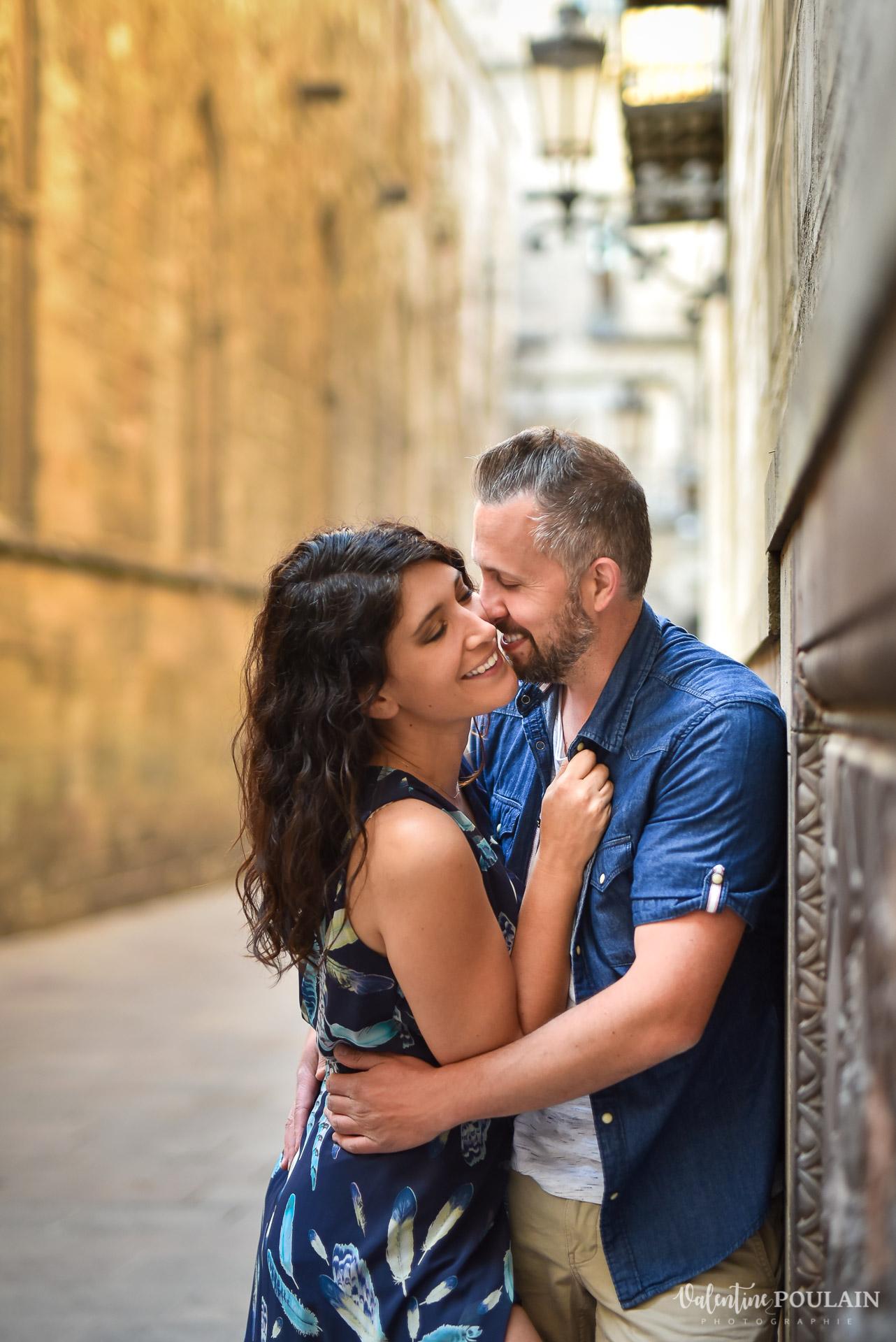 Séance photo couple Barcelone - Valentine Poulain rires