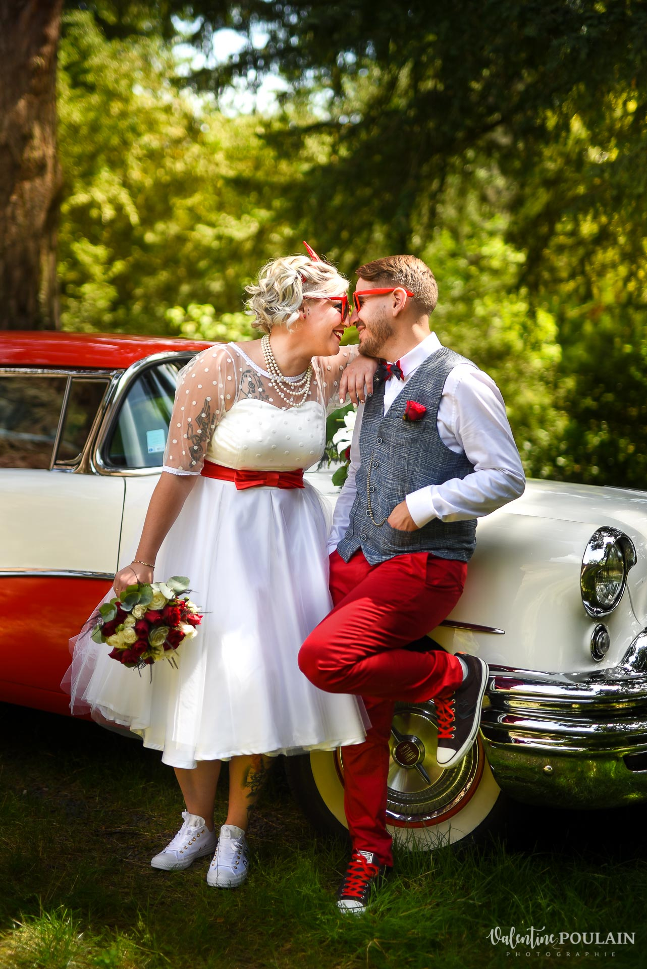 Mariage vintage rockabilly - Valentine Poulain - couple regard