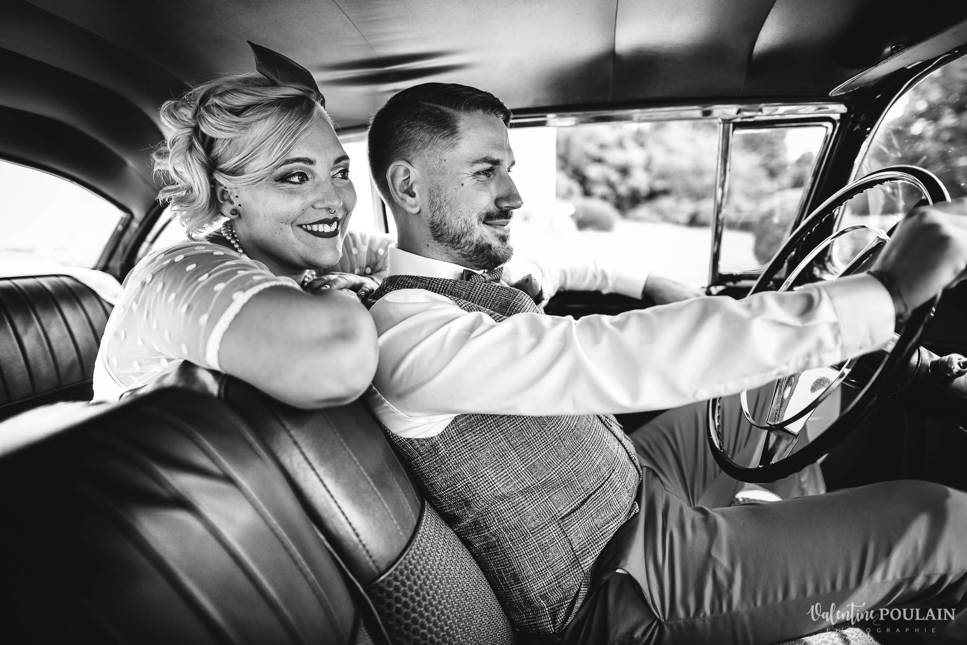Mariage vintage rockabilly - Valentine Poulain couple volant
