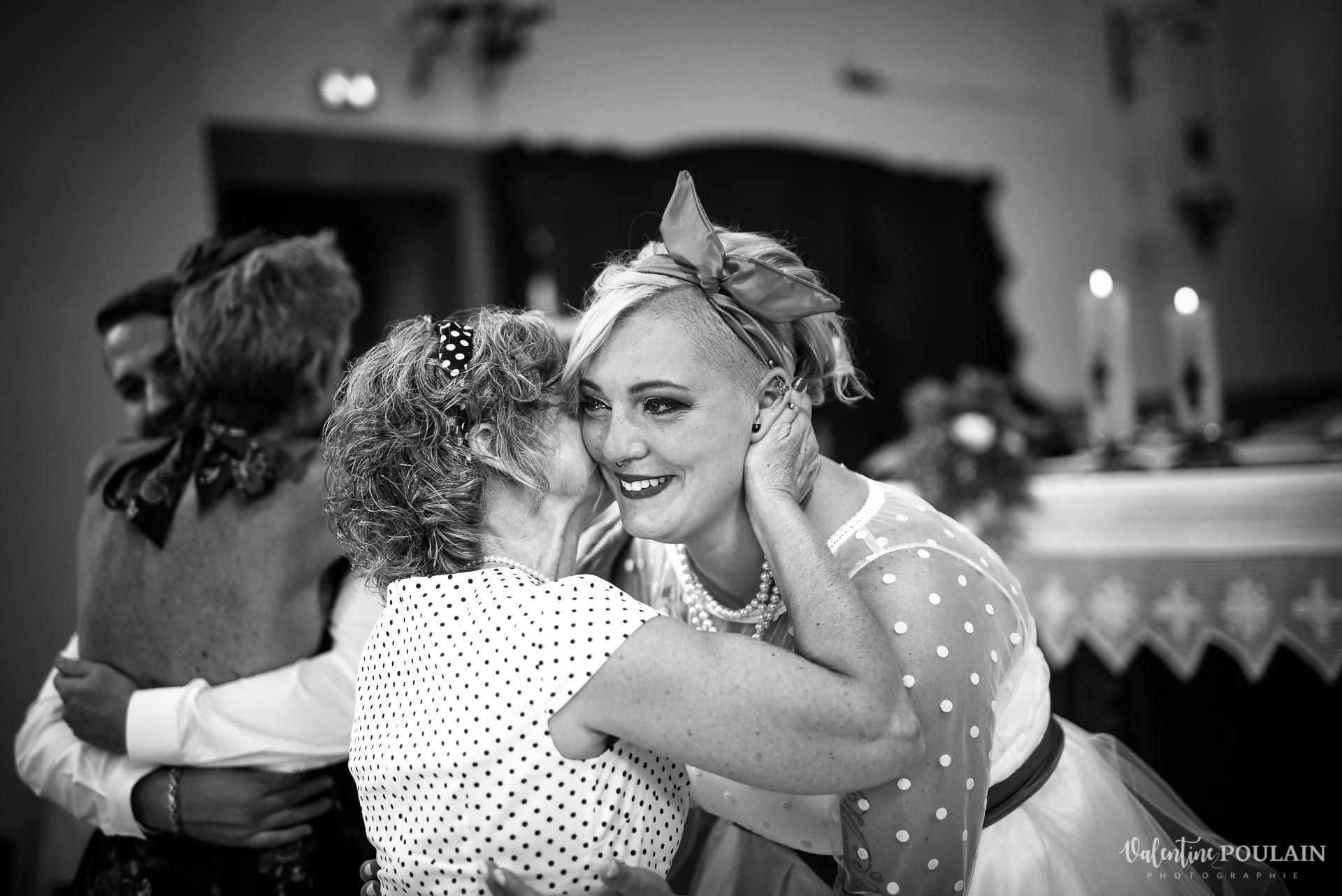 Mariage vintage rockabilly - Valentine Poulain bisou maman