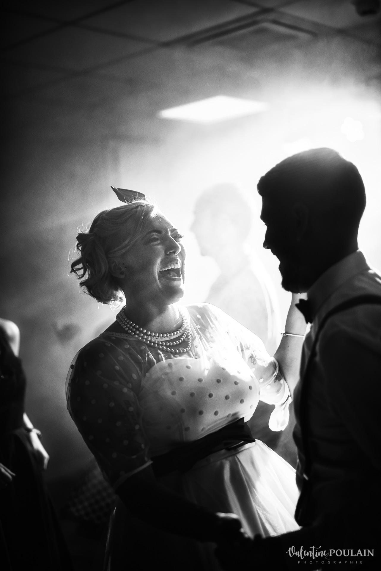 Mariage vintage rockabilly - Valentine Poulain danse noir et blanc