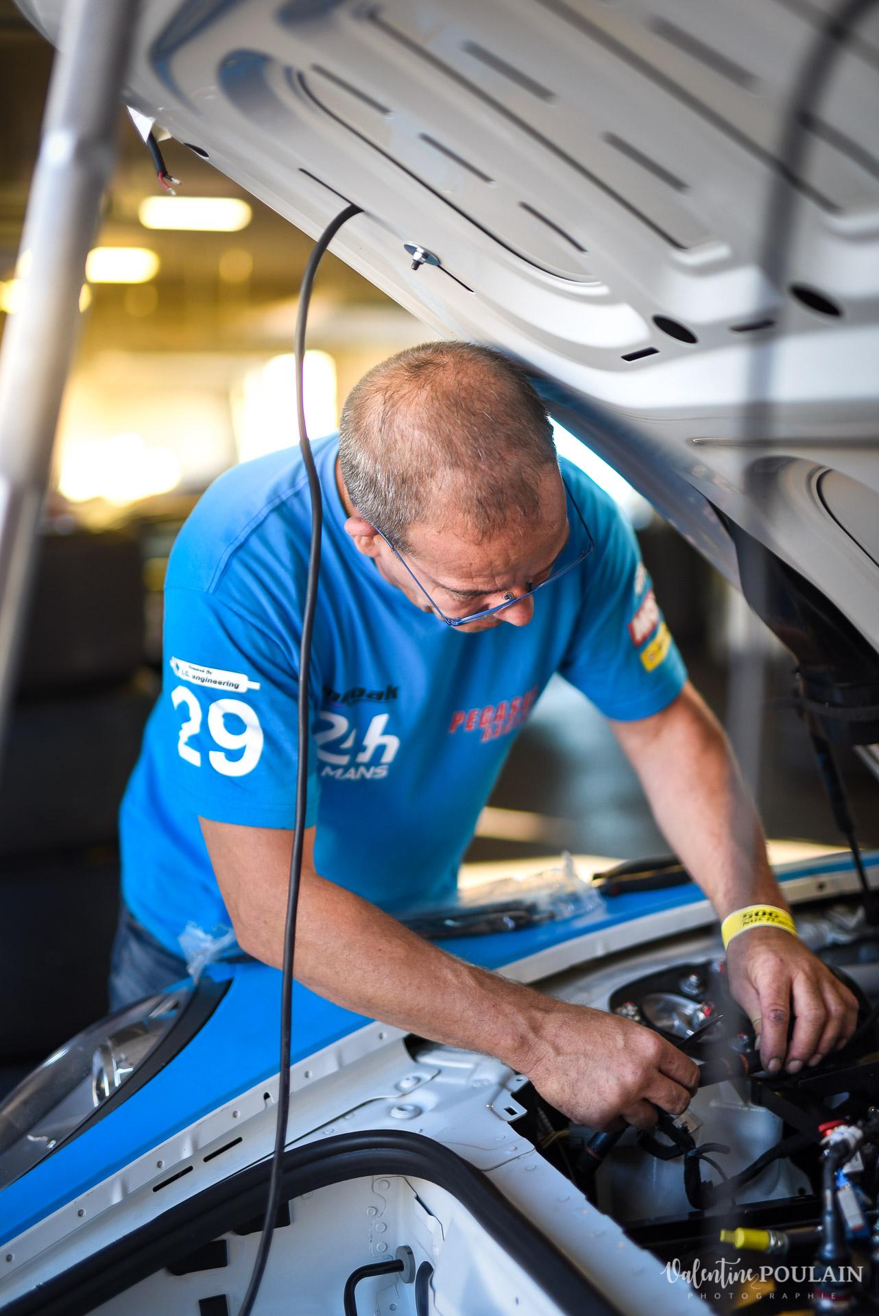 Mécanicien Evenement sportif Bugatti Chiron pur sport -automobile_ Valentine Poulain