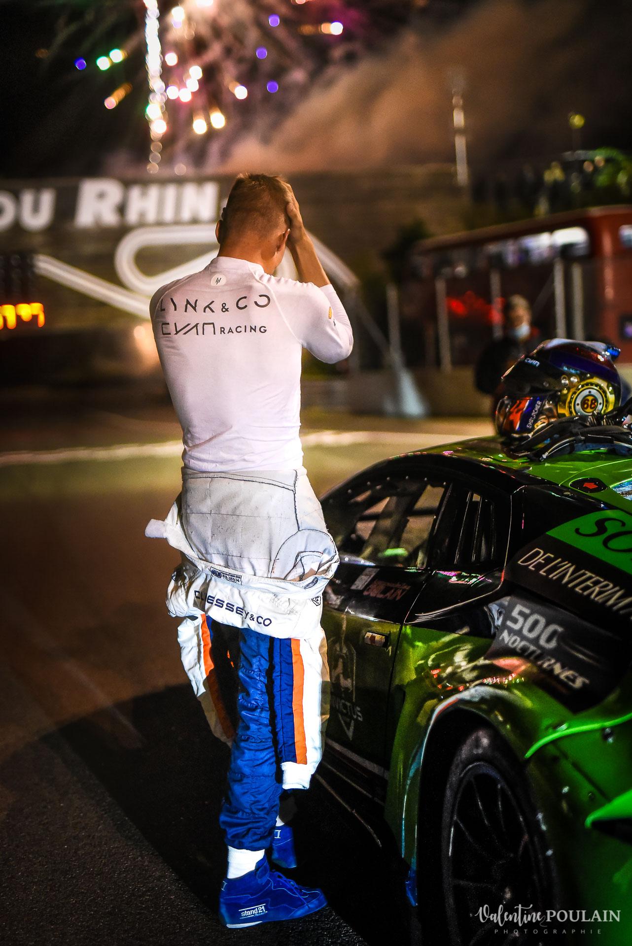 Victoire Portrait de pilote Evenement sportif Bugatti Chiron pur sport -automobile_Valentine Poulain -